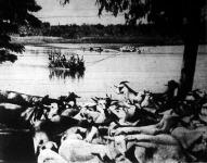 A Giuba folyón kompokon szállítják át az olaszok a kecskéket és juhokat, hogy ilyen módon biztonságba helyezzék az állatokat a portyázó abesszin csapatok elől.