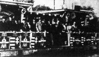 A 10 éves jubileumát ünneplő dunai motoros mentőőrség és a  Vörös Kereszt dunai szolgálatának vezetői a római parton