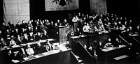 A német birodalmi gyűlésen Hitler bejelenti a Rajna-vidék megszállását