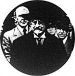 Vanderveldét (középen) kihallgatáson fogadta Lipót király