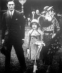 VI. György, az új király, családjával