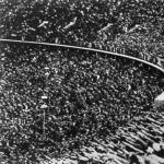 100000 néző az olimpiai stadionban a megnyitó ünnepségen
