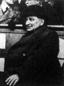 Meissl, az osztrák szövetségi kapitány a mérkőzés elején még mosolyog