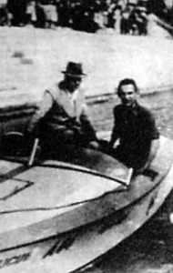 Az osztrák Seilern gróf (jobbra) a Duna kékszalagjának nyertese