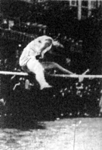 Csák Ibolya 158 cm-rel nyert