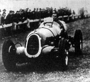 A svájci Ruesch, a hármashatárhegyi autóverseny abszolút győztese
