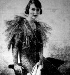 Dr. Etelka főhercegnő fátyolgalléros fekete estélyi ruhában ( 1936 )