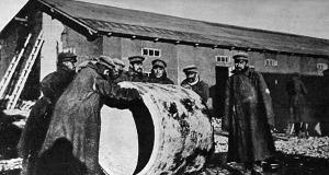 Az oroszok hengerítenek valamit, de az nem a híres gőzhenger