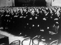 A fővárosnál tömeges tisztviselői kinevezés történt. A hivatali eskü a Vigadóban.