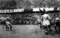 Blason egy veszélyes Ferencvárosi támadást hárít el.