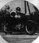 Kozma Endre verseny közben a gyóni betonpályán