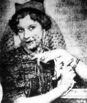 """A """"Júniusi Hetek"""" legszebb külföldi vendége: Mrs Cosmo Cran Roth Margit kalapban"""