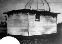 Peltier magakészítette apró csillagvizsgálója