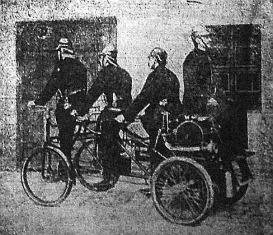Tűzoltók kerékpáron