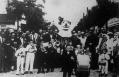Ünneplők a 100 éves városligeti Vurstliban