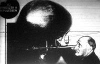 Herman Kuhn amerikai mérnök újrendszerű léghajóval kombinált repülőgépével.