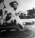Az olasz olimpiai bajnoknő Valla kisasszony győzött a 100 m-es síkfutásban és a 80 m-es gátfutásban