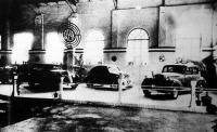 A Steyr-Daimler-Puch-művek legujabb modelljeinek feltűnést keltő kiállítása a Nemzetközi Vásár autópavillonjában
