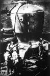 A kaliforniai San Diego kikötőjében a haditengerészek mentőharanggal gyakorlatoznak