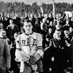 Jeney Zoltán, a BKE csapatkapitánya a Sonnengold kupával
