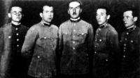 A tőrcsapatbajnokság győztese a HTVK - dr. Gözsy főorvos, Homoródy főhadnagy, Zirczy százados, Mátéffy főhadnagy, Hátszeghy százados