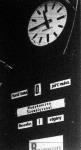 A szótlan gépportás (utastájékoztató tábla) szolgálatban van a Déli pályaudvaron