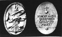 A Borostyános Szent Szűz Repülőinek nyakban hordható ezüstérme (Tóth Gyula szobrásztanár tervezte)