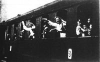 Négyszáz szegény gyerek boldog nyaralása (védőnők felügyelete mellett indulnak Farkasgyepüre)
