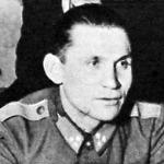 Végházi Richárd, a vegyesúszás katona bajnoka, szakaszvezetőjével
