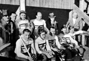 Kezdésre vár a magyar csapat - Csák, Miklós, Lator kapitány, Helmeczi, Gergely II., Jenei, Gosztonyi, Barcza, Hubai
