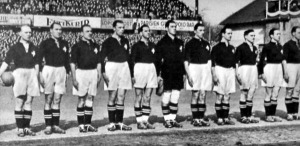 A svájci válogatott - Abegglen, Aebi, amado, Bickel, Lehmann, Ballabio, Andreoli, Minelli, Bichsel, Springer, Monnard