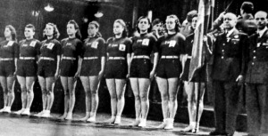 Az olasz hölgytornászok - Bertoni, Gelmini, Cividino (tartalék), Nencini, Corsi, Govoni, Bonino, Avanzini