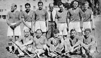 A BBTE derby-győztes csapata - Miklós II., dr. Dengi, Turcsányi, Háray, Bikár, Liszka, ülnek Papp, Kovács, Székely, Berkes, Stoics
