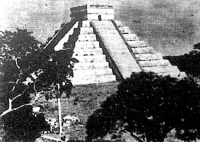A Mexikóhoz tartozó Yucatan-félszigeten négyezer éves piramis alakú építmény