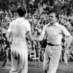 Koch győzelme után üdvözli ellenfelét, Gáborit