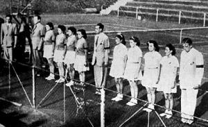 A válogatott olasz és magyar hölgy teniszcsapat