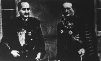 Báró losonczi Bánffy Dániel földművelésügyi miniszter (balról) eskütétele után