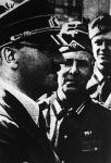 A Fhürer ötvenkettedik születésnapján katonái körében