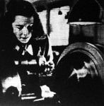 Női munka a hadianyag-termelésben