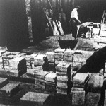 Milliónyi márványcsempe készül Runkel-vára aljában a nassaui márványbányákban: fürdőszobafalak és konyhapadozatok borítására.