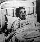 Kórházi ágyon