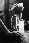 Takarékossági tanács: csak annyi vizet forraljunk fel, amennyi a teához kell - ehhez tartsunk kéznél egy papírsávokkal jelölt üveget.