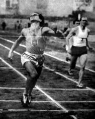 Pelsőczy Pál legyőzte a német Sonntagot 200 m-en.jpg