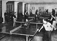Hat asztalnál játszottak egyszerre a Sportcsarnok edzőtermében.jpg