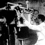 A röntgenezésnél a beteg mit sem érez, helyette óramű jelzi, milyen erő érvényesül a beteg testben.