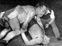 Ferenc (BSzKRt) próbálja tussolni Káli Bélát (WMTK).jpg