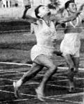 Bánhalmi Ferenc győzött 200 m-en.jpg