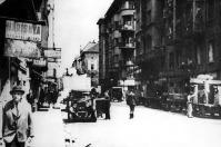Budapesti zsidók csillagos házakba költöznek 1944 nyarán (www.magyarzsido.hu)
