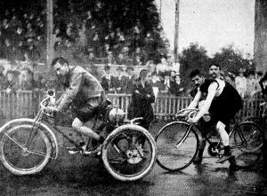 Kerékpárverseny motorvezetéssel