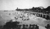Vízi biciklik és csónakok a siófoki strandon